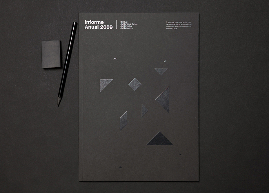 create-engaging-annual-report-design-cover
